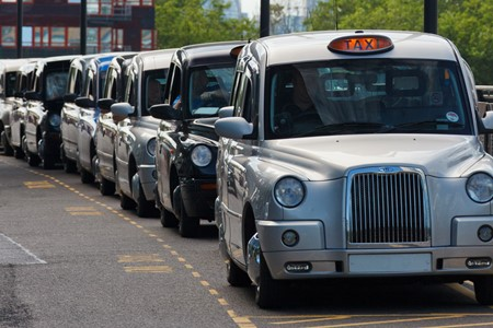Top 5 problems faced by taxi fleet owners and how to solve them
