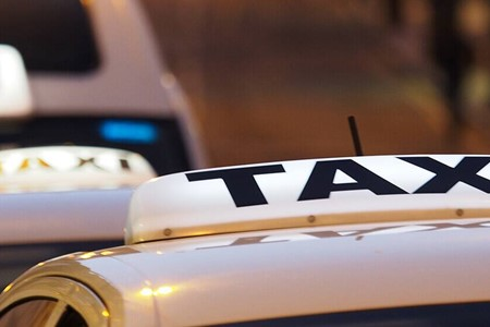 How to get regular customers for your taxi business